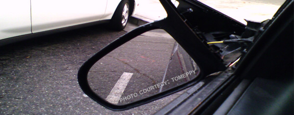 Deluxe Glass can repair your broken side or rearview mirror